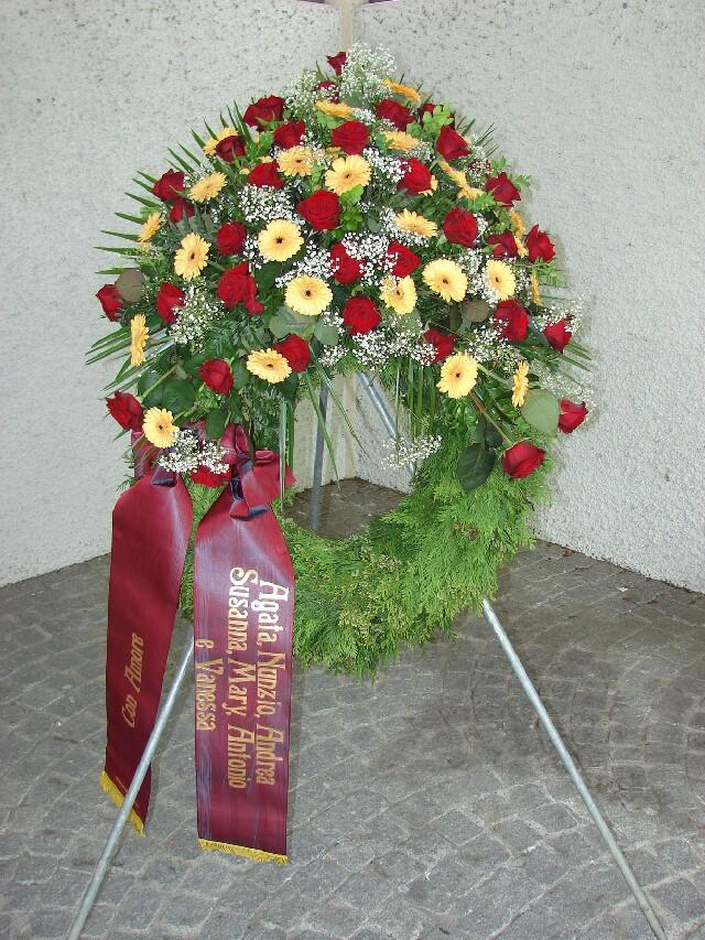 Bouquet kranz mit schleife